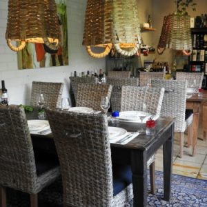 huiskamerrestaurant wijn en spijs